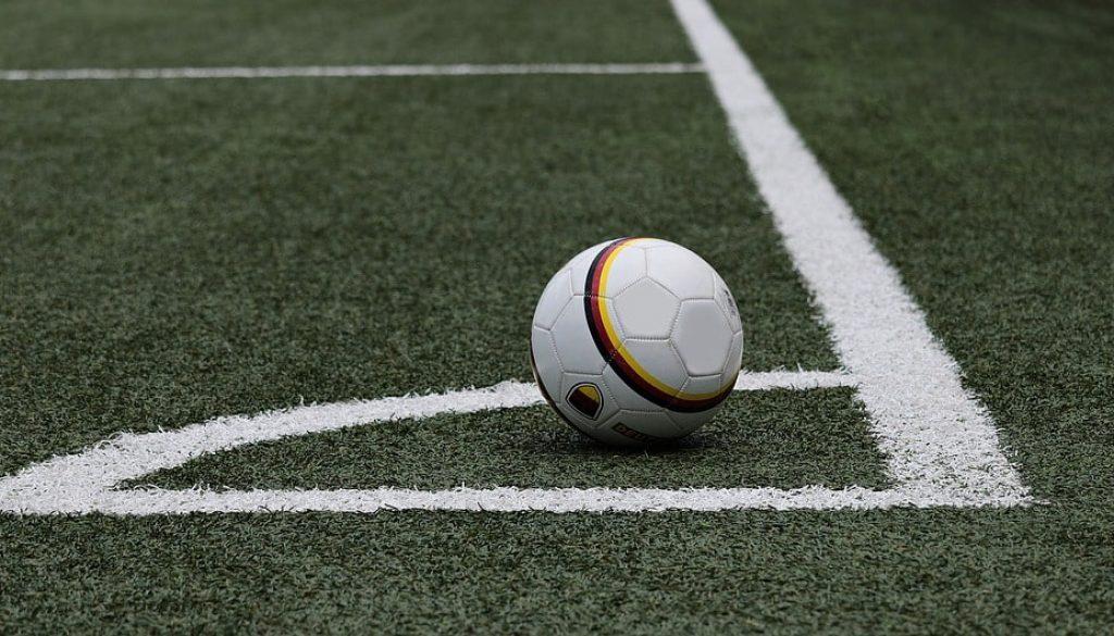 football-3471402_960_720-min